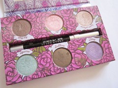 the urban decay feminine palette, bitsandtreats