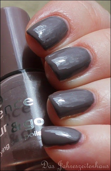 Taupe Essence Walk of Fame 4
