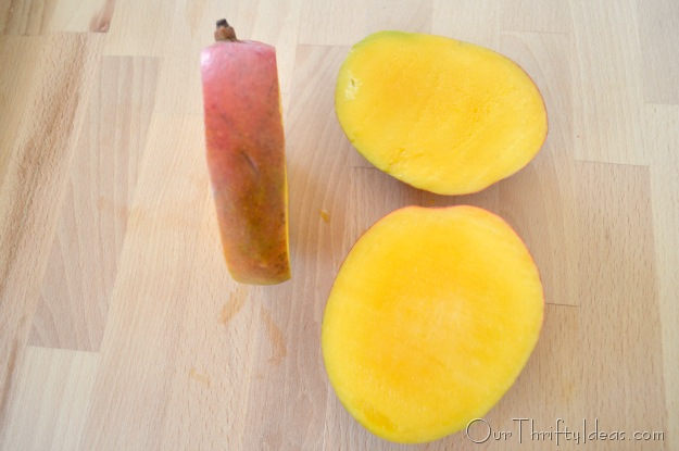 A tutorial on how to cut a mango. So much needed cause you can't cut thru the core. Duh! This is awesome!