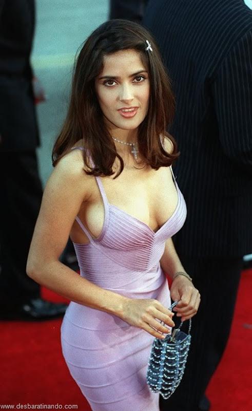 salma hayek linda sensual sexy sedutora gostosa peituda boob tits desbaratinando  (54)