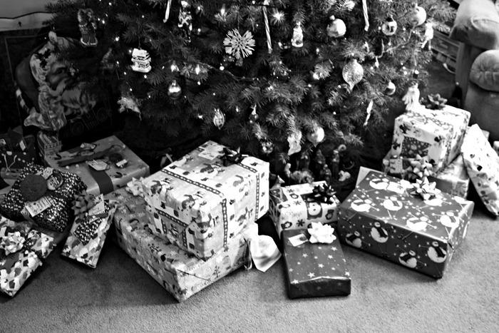 presents2bw