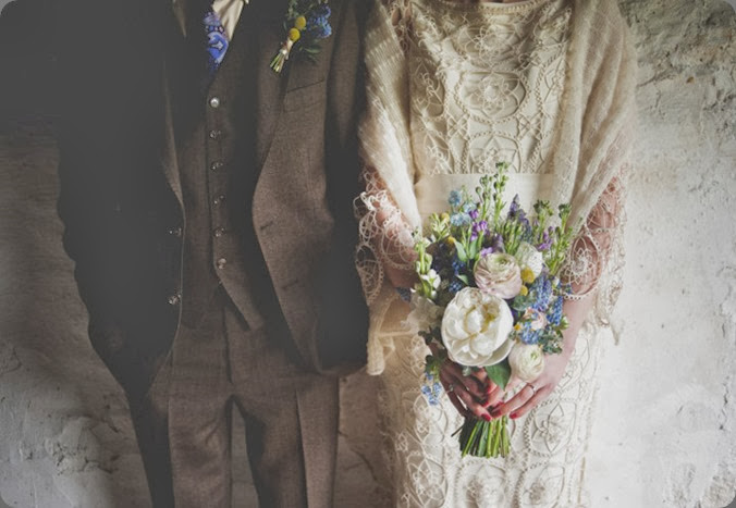 2-Summer-Fete-Homespun-Barn-Wedding.-By-Toast-of-Leeds Toast of Leeds photo and nadia di tullio