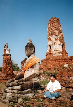 Obiective turistice Thailanda: Buddha la Ayuthaya