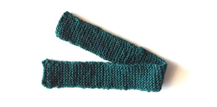 a knitted scarf