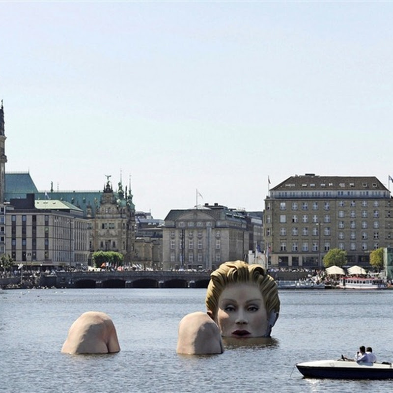 'Giant Mermaid' Sculpture in Hamburg's Alster Lake