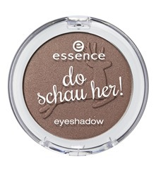 ess_do_schau_her_eyeshadow_01
