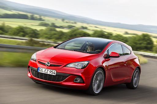 Opel-Vauxhall-Astra-BiTurbo-01.jpg