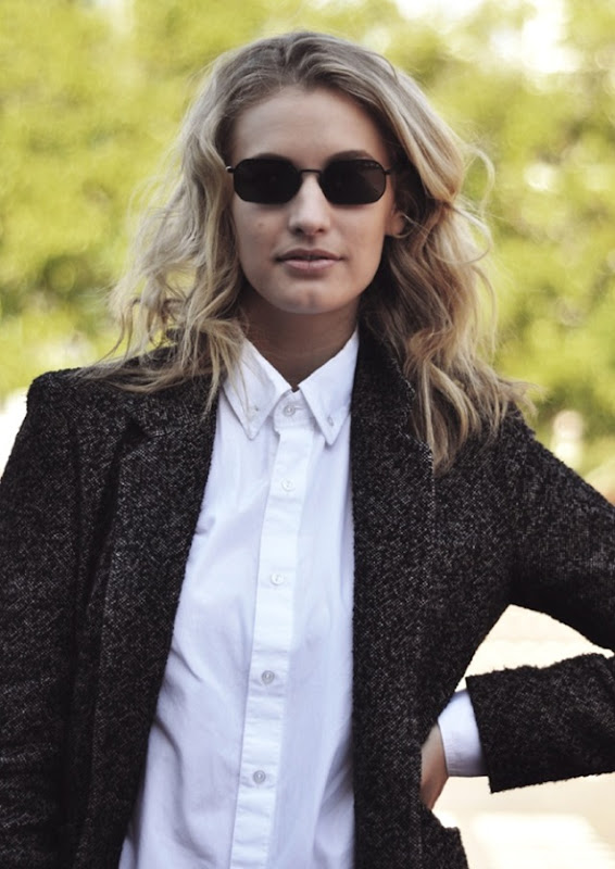 WE-THE-PEOPLE-ZANITA-WHITE-BUTTON-UP-AND-A-BLAZER-JACKET-TWEED-WIRE-SUNGLASSES-METAL-FRAMES-STREET-STYLE