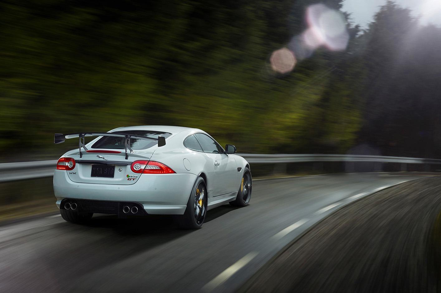 Jaguar-XKR-S-GT-6%5B3%5D.jpg