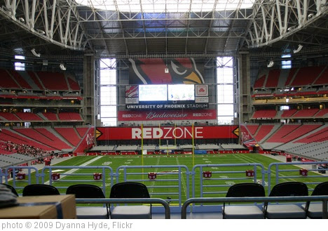 'University of Phoenix Stadium' photo (c) 2009, Dyanna Hyde - license: https://creativecommons.org/licenses/by-nd/2.0/
