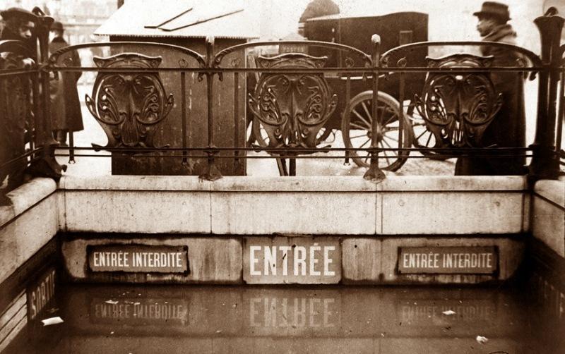 Estacion_metro_Caumartin_1910