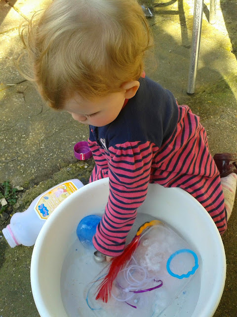 sensory play ice and water