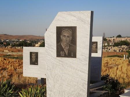 52. Monumente funerare musulmane.JPG