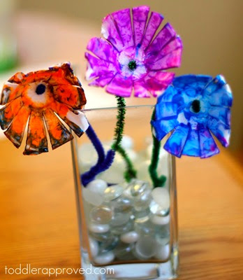 flores hechas con cajas de huevos (3)