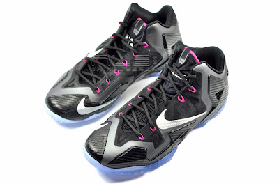 lebron11 miami nights 30 web white The Showcase: Nike LeBron XI Miami Nights Carbon