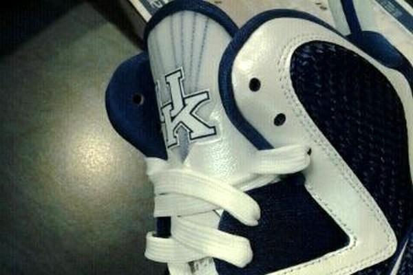 Nike LeBron 9 8220University of Kentucky8221 PE Release Information