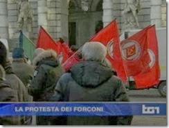 Das esquerdas às direitas . Italianos protestam por todo o país..Dez 2013