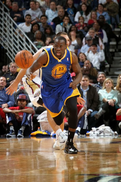 wearing brons nba lebron10 carbon draymond green 01 Draymond Green Celebrates 50 Sellouts with new LEBRON iDs
