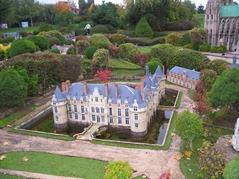 2013.10.25-081 village de Saint-Symphorien et château d'Esclimont