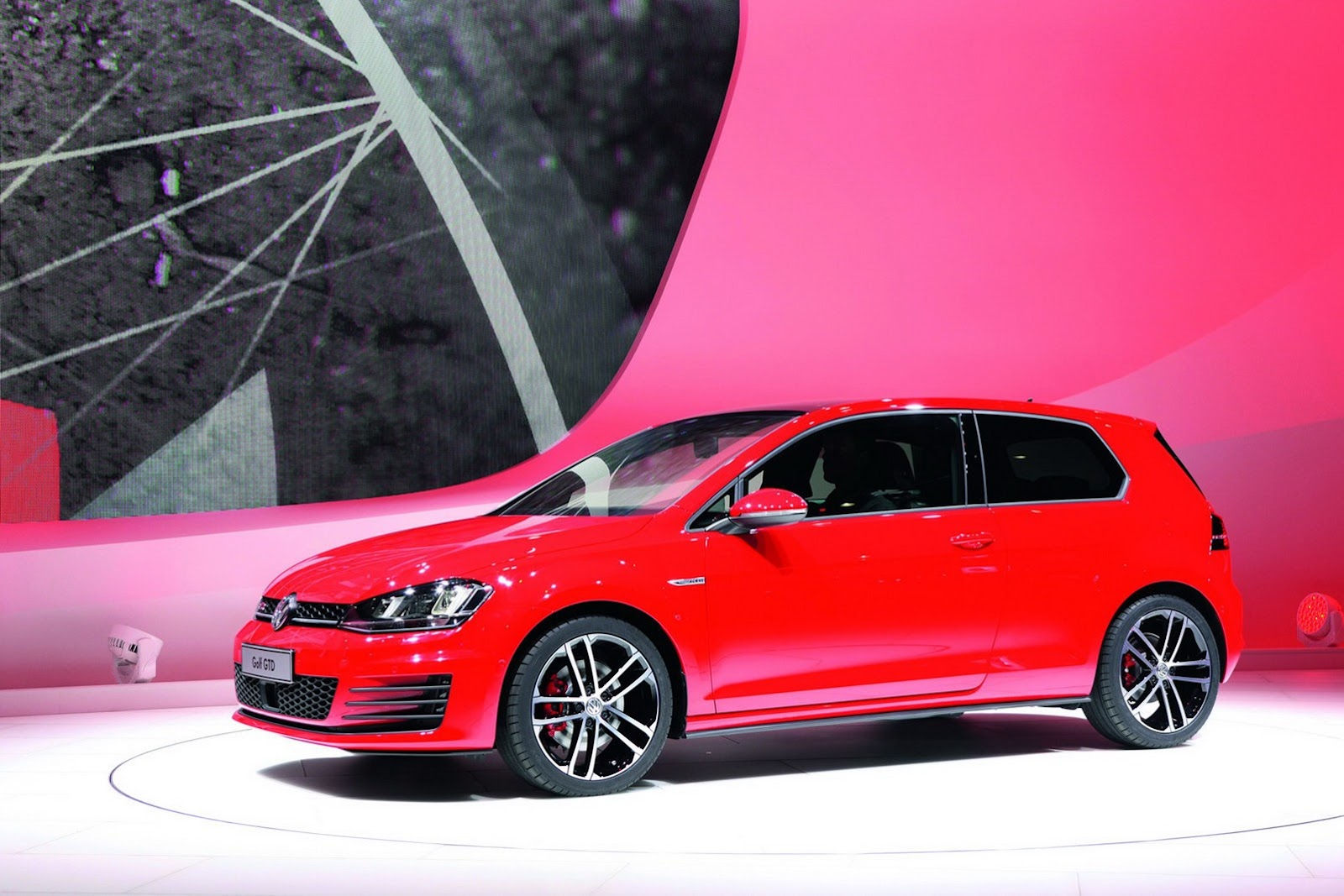 Vw Confirms Us Premiere Of 2015 Golf Hatch And Gti At
