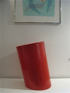 In Attesa wastebasket by Enzo Mari for Heller in red