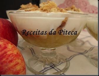 Doce de maçã com iogurte e palmiers de canela-lado-perto