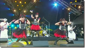 BABYMETAL_catch-me-if-you-can_16
