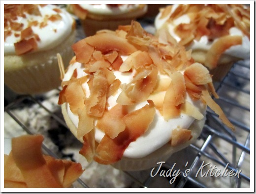 coastal living's coconut cupcakes (5)