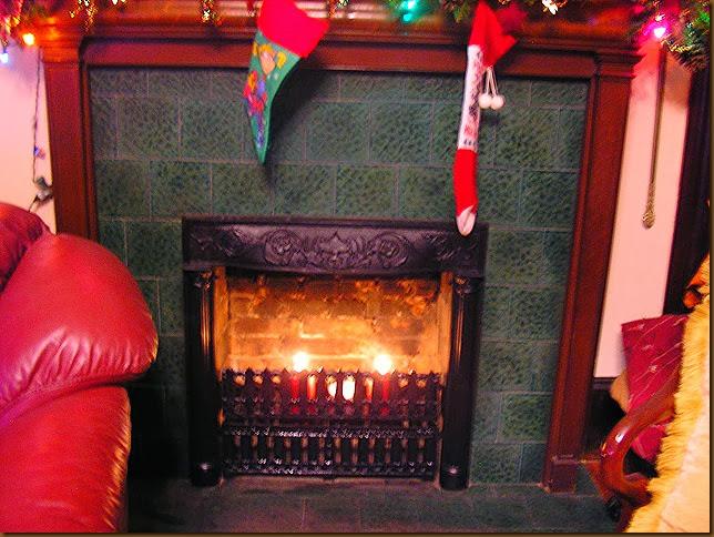Livingroom Fire Place 001
