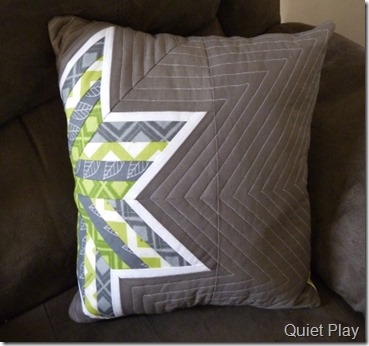 PP striped star cushion