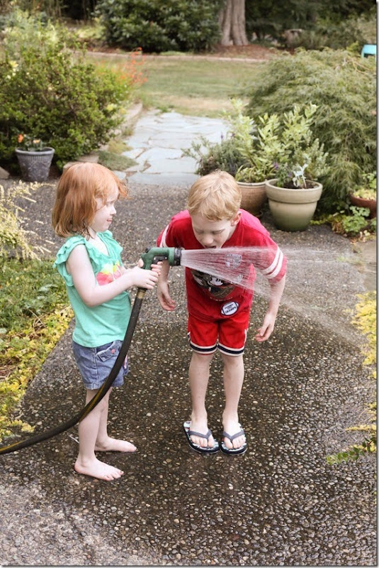 kids drinking from the hose (13)-small