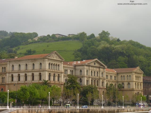 edificio-de-la-universidad-de-deusto-en-bilbao.JPG