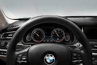 2013-BMW-7-Series-36.jpg
