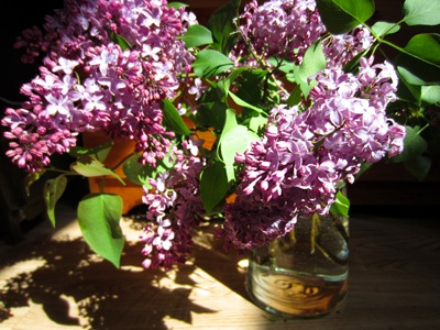 Spring wedding flowers - purple lilac