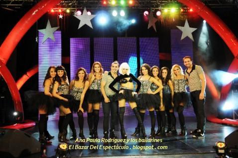 Ana Paula Rodríguez y los bailarines.jpg