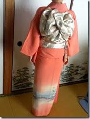 お母様の訪問着を着付けに着付師 島さんが (3)