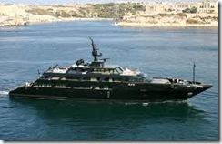 アルマーニのヨット