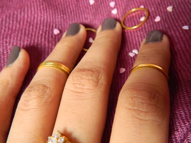 Dusty Diamonds Midi Rings