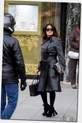 Salma Hayek Salma Hayek Shops Paris gJd2C6TRgB0l