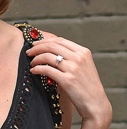 Kate Bosworth Glittering Engagement Ring