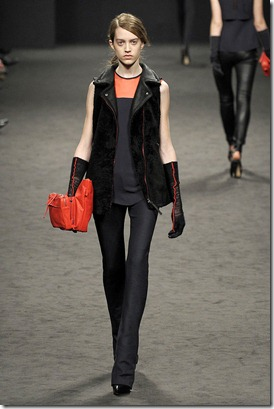 CNC-COSTUME-NATIONAL-FALL-2011-RTW-PODIUM-006_runway