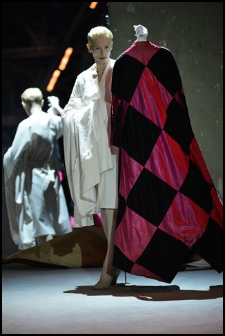 002mschiaparelli coat