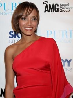Selita Ebanks Short Hairstyle Idea 2013