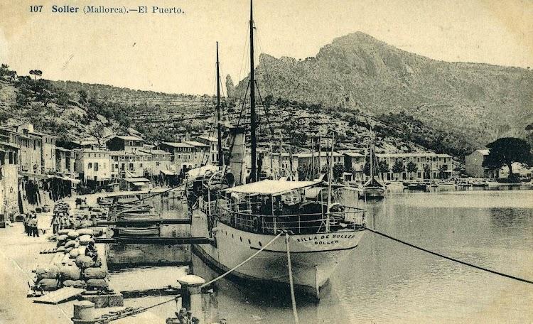 El VILLA DE SOLLER en el puerto de su nombre. Tarjeta Postal. J.Lacoste..jpg