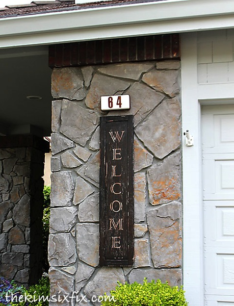 Vintage welcome sign