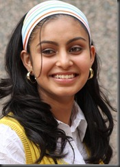 cute smile_abhinaya
