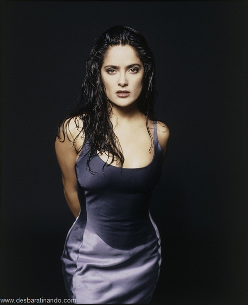 salma hayek linda sensual sexy sedutora gostosa peituda boob tits desbaratinando  (27)
