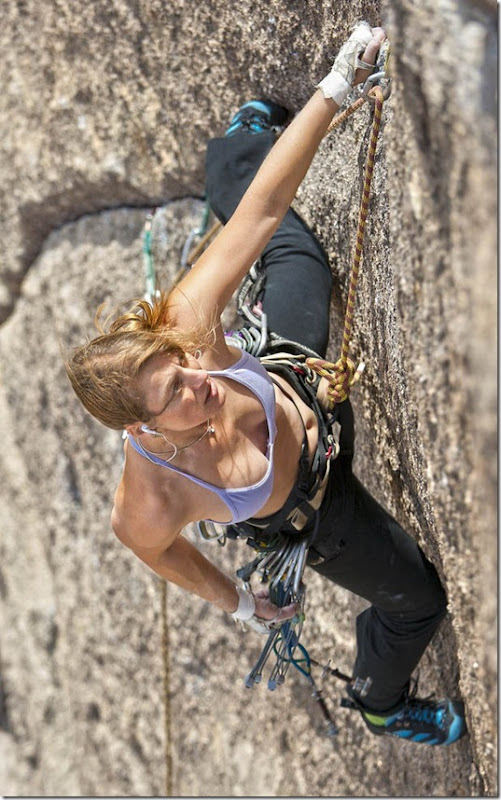 girls-rock-climbing-32