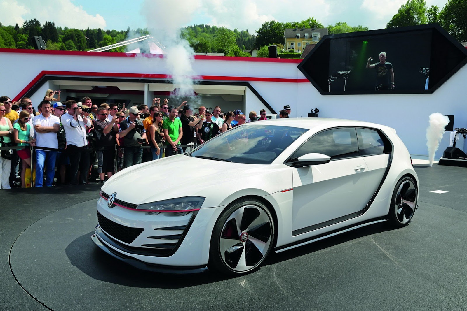 VW-Design-Vision-GTI-1%25255B2%25255D.jpg