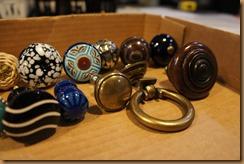14 gathering knobs